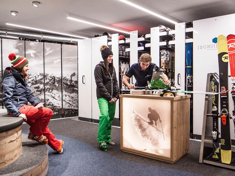Skiverhuur winkel Sport Pauli, Walserstrasse 270 in Kleinwalsertal - Hirschegg