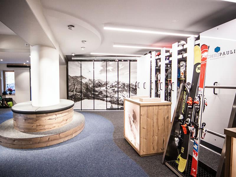Skiverhuur winkel Sport Pauli, Walserstrasse 270 in Kleinwalsertal/Hirschegg