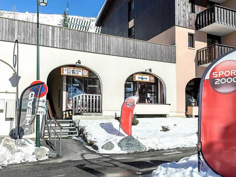 Skiverhuur winkel SKI SERVICE, ZAC Reberty - Quartier des Fontanettes - Immeuble Argousier in Les Menuires