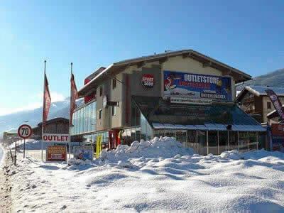 Skiverhuur winkel SPORT 2000 Unterlercher, Fügen in Zillertalstrasse 10